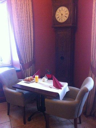 Château d'Urspelt : Table du petit-déjeuner