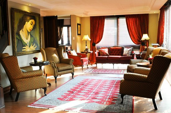 Candlewoods Guesthouse: Reception Area