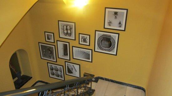 Hotel Sevilla : Decoración en las escaleras