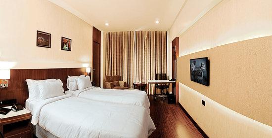 Eden Residency: Room