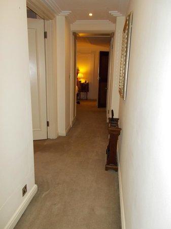Claridge's : deluxe  room