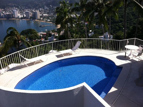 Las Brisas Acapulco: Our private pool!