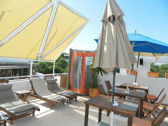 Hotel Casa Ticul : Breakfast on the terrace