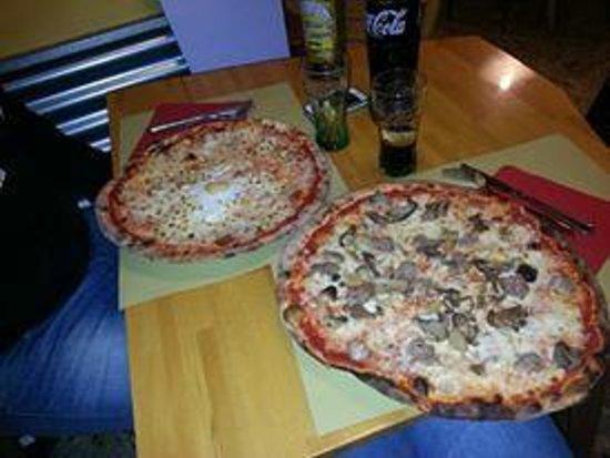 Pizzeria Boopty: Diavola e uovo ; salsiccia funghi scamorza