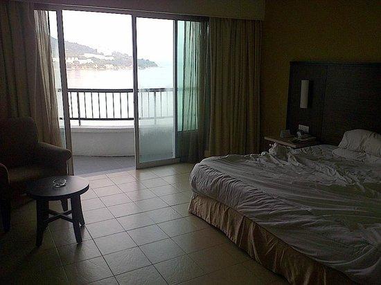 Flamingo Hotel by the Beach, Penang: Sea-Facing Room