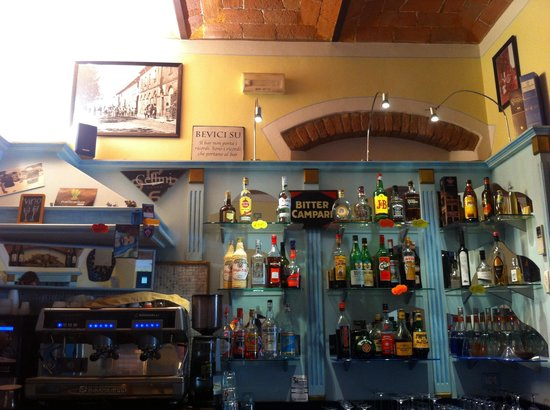 Vada, Italy: Bar la piazzetta