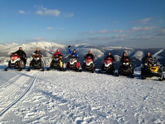 Snow Wolves - snowmobile and electric bike rental