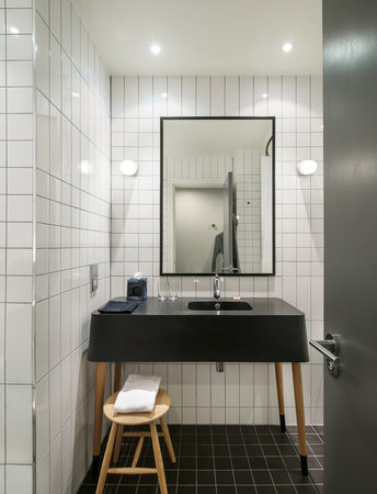 Ace Hotel London Shoreditch: Bathroom