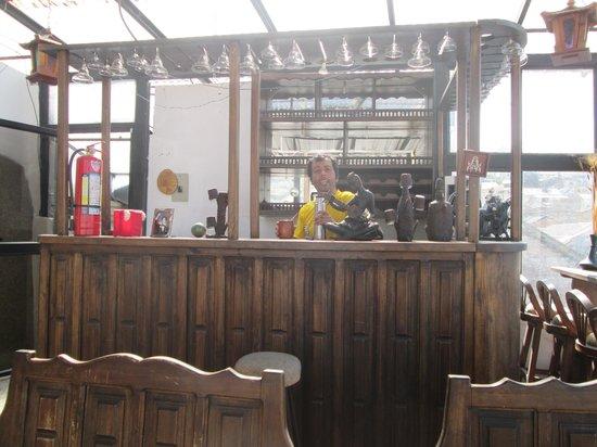 La Casa Tolena Hostal: El Bar de la Terraza