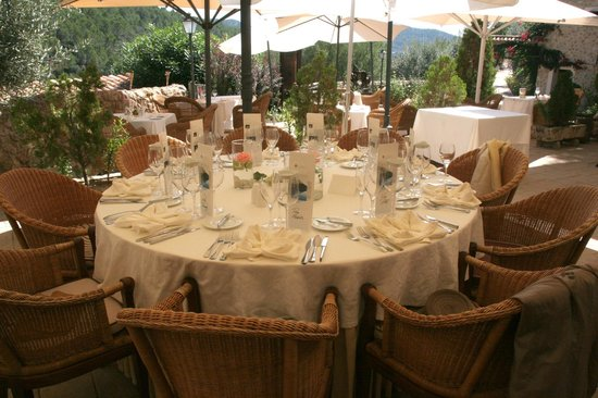 Hotel Rural S'Olivaret: mesa preparada