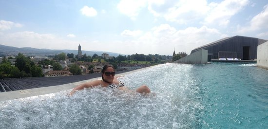 B2 Boutique Hotel + Spa : In the pool