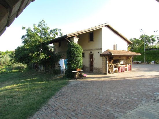 Agriturismo Torre Mannella: The farm house