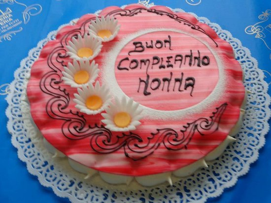 torta a cuore   Picture of Pasticceria Pol, Bellinzago Novarese