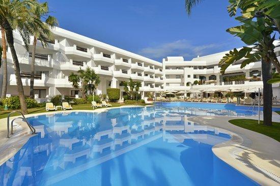 Iberostar Marbella Coral Beach: Pool Area