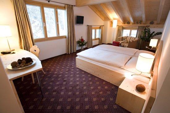Hotel Seraina: Suite Alpenrose