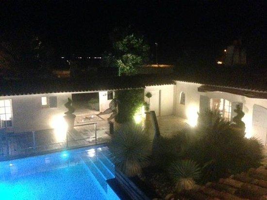 Hotel Le Clos St Martin : vue nuit