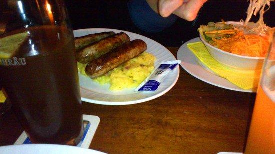 Hutt'n Essen & Trinken: Bratwürste with Kartoffelsalat