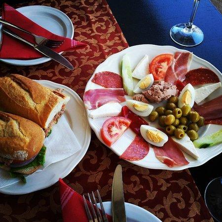 Cantante Cafe: cold tapas platter