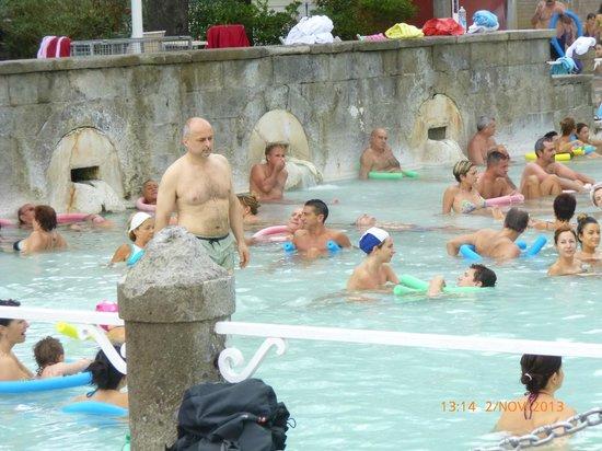 Viterbo, Italia: fuoriuscita dell'acqua