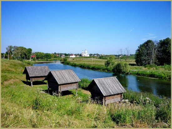 Museum Of Wooden Architecture & Peasant Life: Амбары