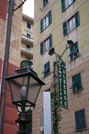 Hotel La Camogliese : entrée de l'hotel
