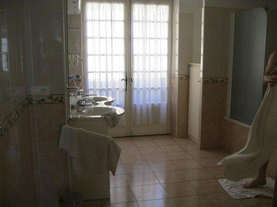Les Chambres du Glacier : ванная