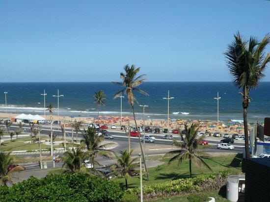Bahiamar Hotel : Abrir a janela e ver esse visual já vale a estadia.
