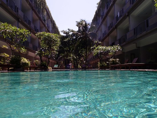 Champlung Mas Hotel: in the pool