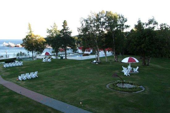 Hotel Tadoussac : Blick auf den Swimmingpool