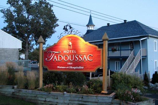 Hotel Tadoussac : Einfahrt zum Hotel