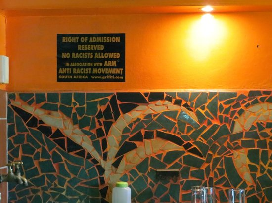 Jungle Monkey Backpackers: Bar rules