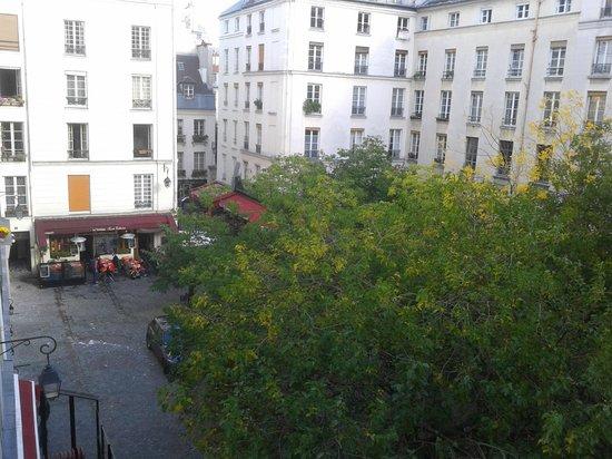 Pratic Hotel : Blich auf Place de Sainte-Catherine