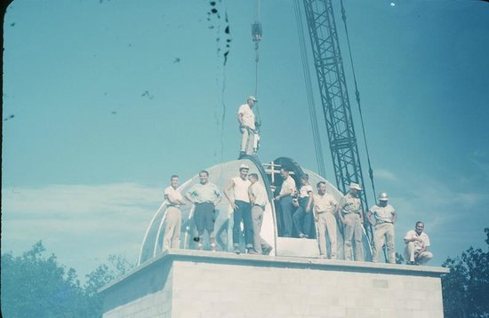 Von Braun Astronomical Society: Placing dome on the 21 inch telescope. Von Braun (second from left)