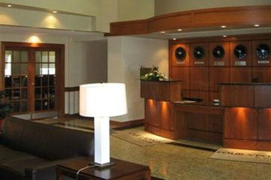 Four Points by Sheraton Prince George : Lobby