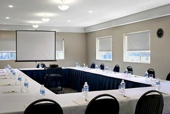 Four Points by Sheraton Prince George : Meeting Room