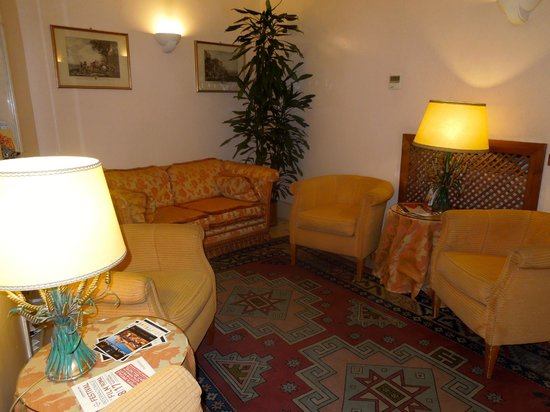 Albergo Cesari: the foyer/lounge area at the hotel