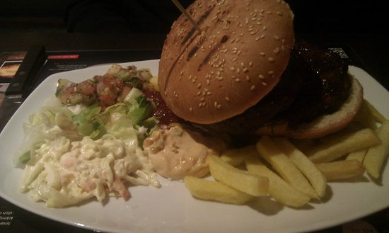 BBQ Steakhouse: Main dish - burger plate