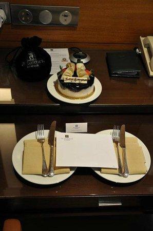 JW Marriott Hotel Bangkok: honeymoon gift from hotel