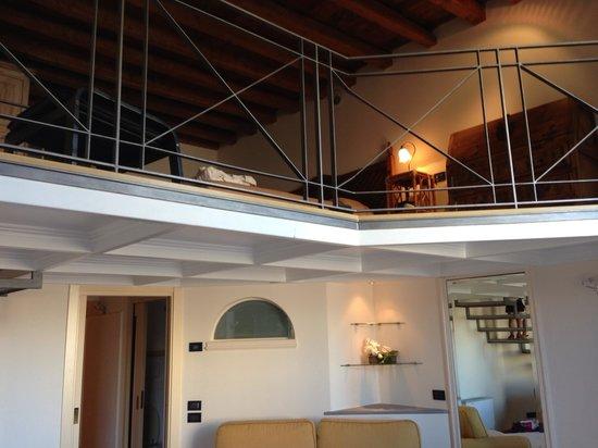 Glamour Apartments: Семейные двухуровневые апартаменты