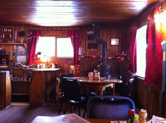 Meadow Mountain Cafe: Cozy place!