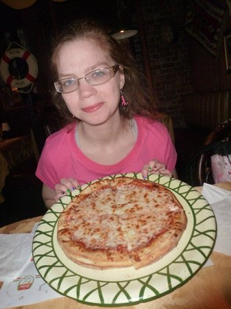 Luna's Pizza: pizza
