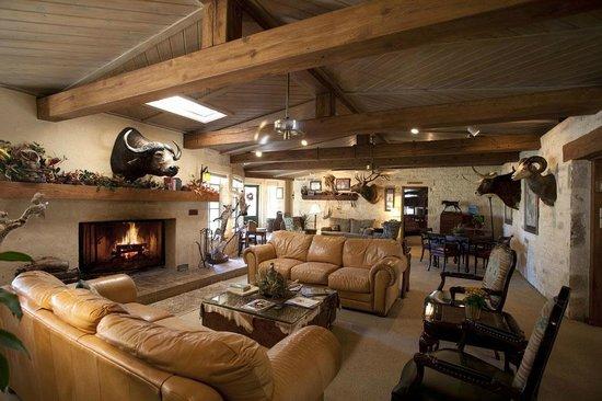 Joshua Creek Ranch: Cypress Lodge Interior
