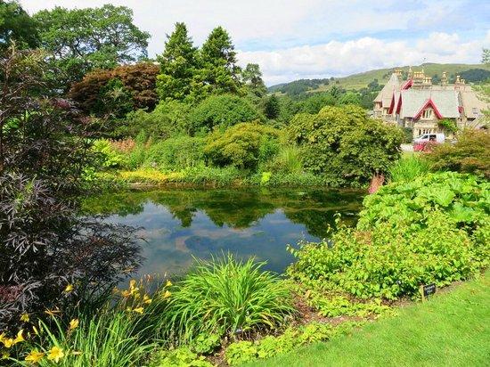 Holehird Gardens: Great scenery!