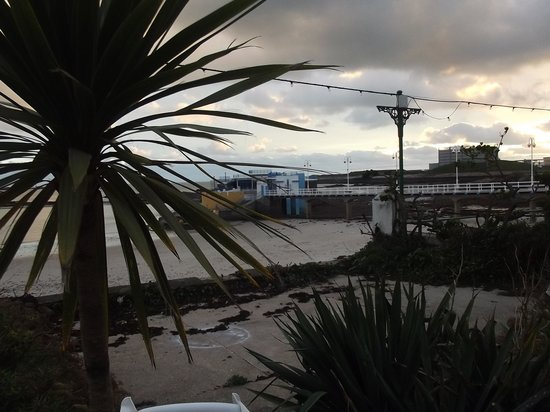 De L'etang: after the storm