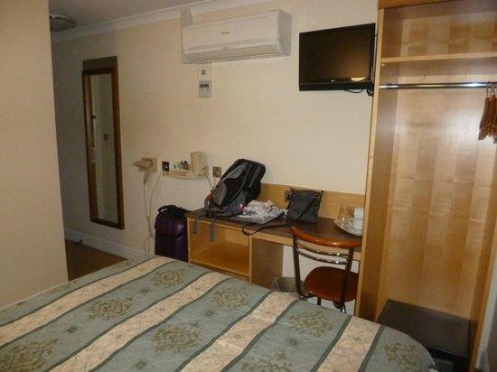 Elysee Hotel: Chambre 22