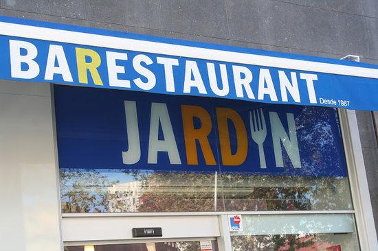 Restaurante bar restaurante jardin en barcelona con cocina for Bar jardin barcelona
