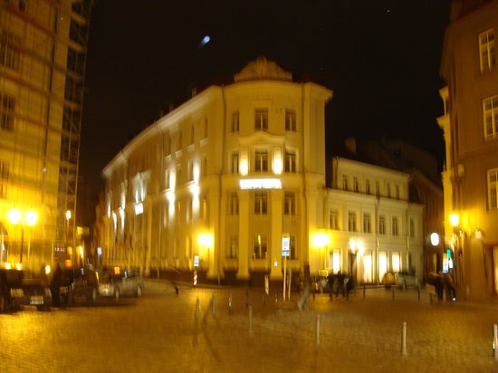 My City Hotel Tallinn: MY CITY HOTEL AT NIGHT