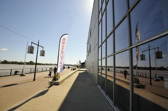 La façade de Cap Sciences