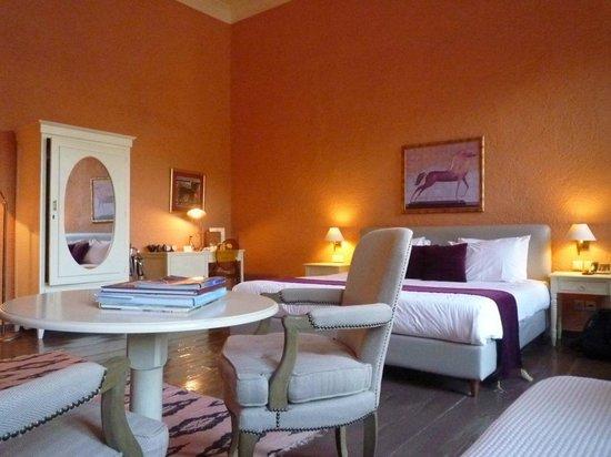 Alcanea Boutique Hotel: Very spacious room