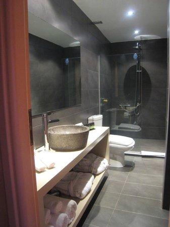Alcanea Boutique Hotel: Great bathroom